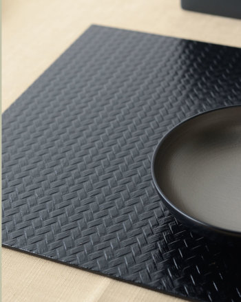 アジロ角プレート 黒【日本製 和モダン おもてなし 折敷 ランチョンマット プレイスマット ランチマット テーブルマット 漆器 和風 おしゃれ】