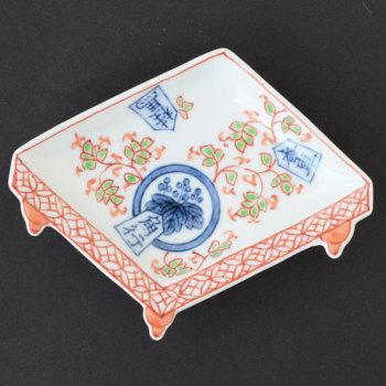 手塩皿 盤型 染錦香桂角桐紋 O-43 16036ーM035【有田焼 和食器 和モダン おしゃれ おもてなし 日本製 手塩皿 豆皿 小皿】