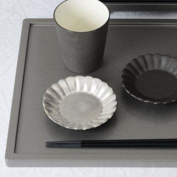 イタリア 菊割小皿 ピューター YSI-0064【Y's home style/やま平窯/有田焼/磁器/和食器/和モダン/おしゃれ/日本製/made in japan】